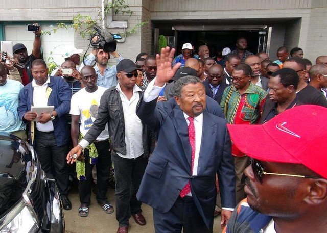 Clashes erupt in Gabon after Bongo re-election announced3