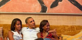 President Obama and his daughters, Malia (left) and Sasha, in the Treaty Room.