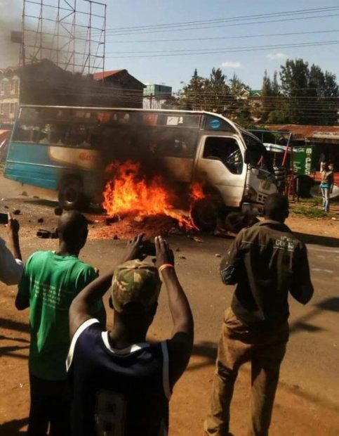 Buss on Ngong road set on fire