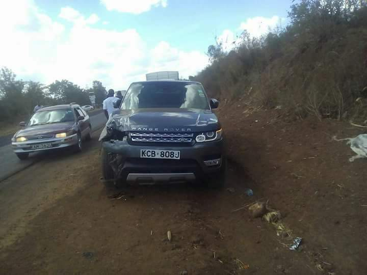 Jaguar Kenya Range Rover Kills 2 pedestrians in accident KCB 808 J