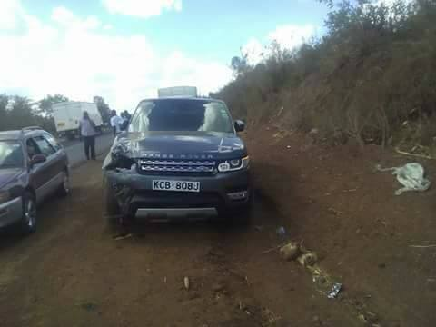 Jaguar Kenya Range Rover Kills 2 pedestrians in accident Pictures
