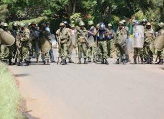 Anti-riot Police Drill In Kisumu Intimidating voters