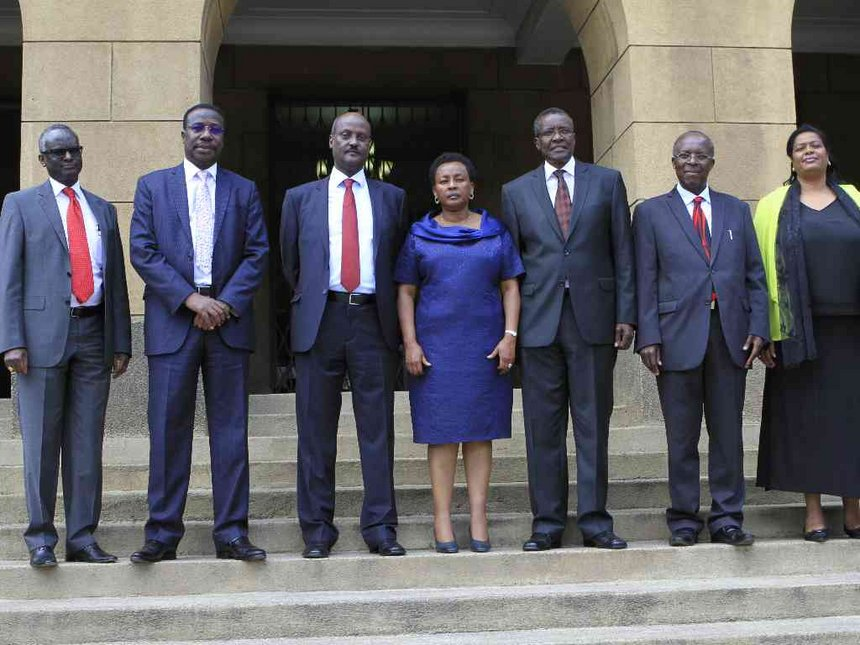 Supreme Court judges Isaack Lenaola, Smokin Wanjala, Mohamed Ibrahim, Deputy CJ Philomena Mwilu, CJ David Maraga, Jackton Ojwang and Njoki Ndungu