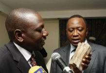 Dp Ruto and H.E Uhuru Kenyatta with lots of cash