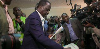 Hon. Raila Odinga Casting his vote in Kibara Kenya Elections 2017
