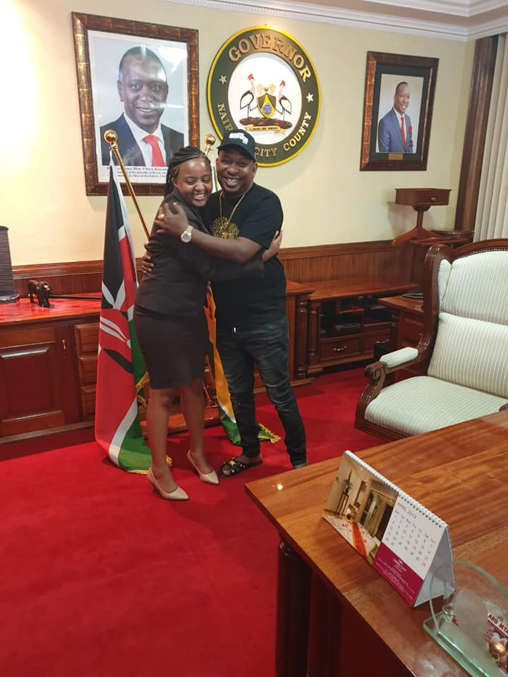 Ann Mwangi UoN and Mike Sonko Photos - See what Governor SONKO did to the first ever UoN students President because of her stunning beauty in his office? Hii ni fisi ingine!