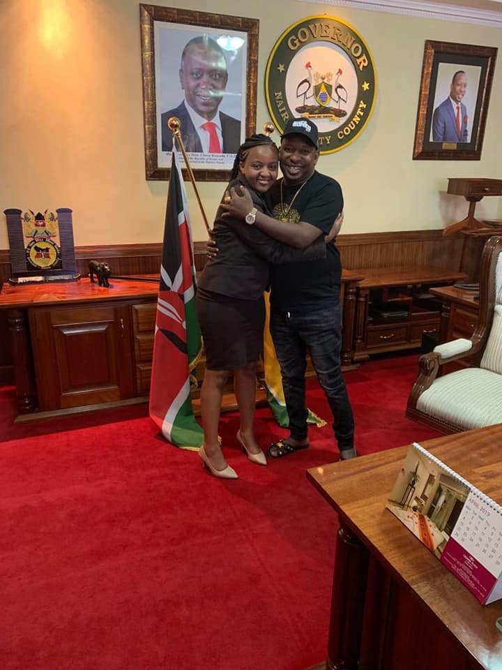 Ann Mwangi UoN and Mike Sonko - See what Governor SONKO did to the first ever UoN students President because of her stunning beauty in his office? Hii ni fisi ingine!