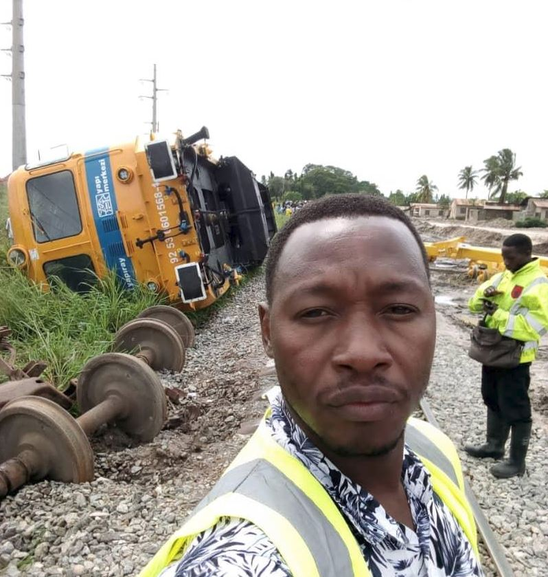 sgr3 - Kenyans Ridicule Tanzania After They Got an Uglier Locomotive that derailed for their Electric SGR