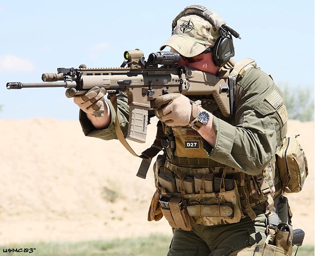 American Army FN SCAR (Special Operations Forces Combat Rifle)