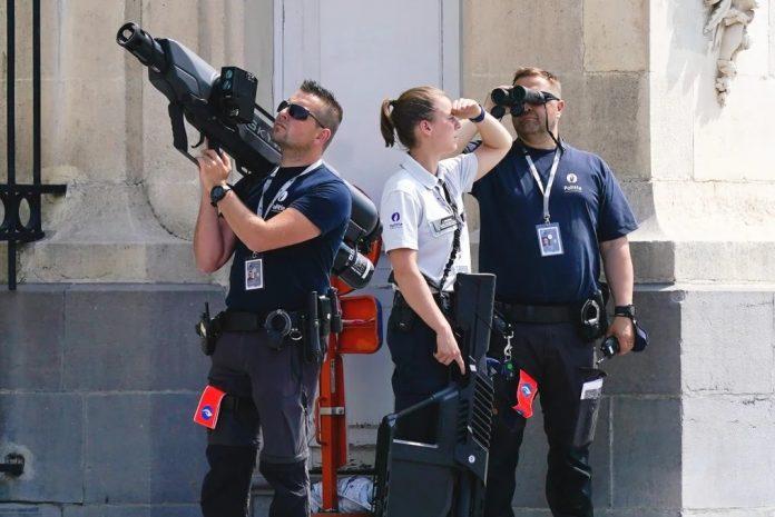 Joe Biden's security has two Anti drone weapons - DroneGun Tactical & Skywall Patrol !